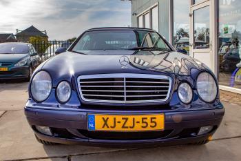 Mercedes-Benz CLK 320 Elegance-Navi-Leder-Cruise-L.M