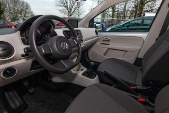 Volkswagen UP Move-5 Deurs-Navi-Mettalic