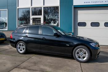 BMW 318i Touring Executive