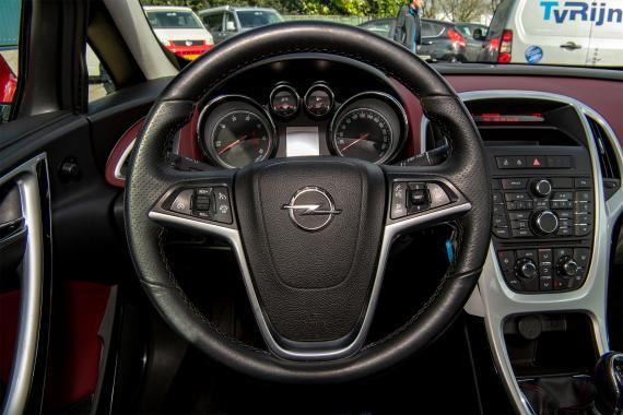 Opel Astra GTC Cosmo Sport