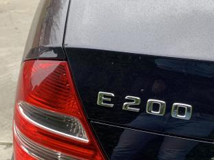 Mercedes-Benz Mercedes E-Klasse 1.8 E200 Kompressor Sedan AUT 2003 Blauw